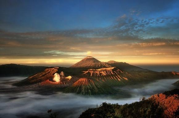 active-volcano-photos-13