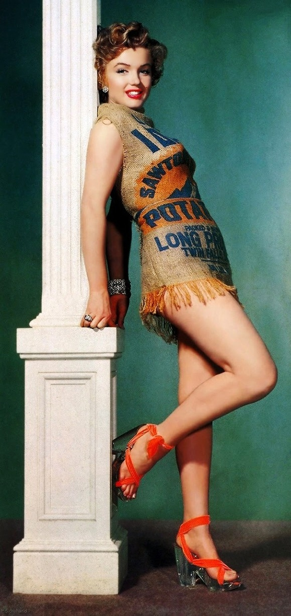Marilyn-and-the-Potato-Sack-Dress-c-1