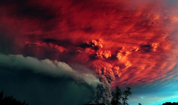 active-volcano-photos-14