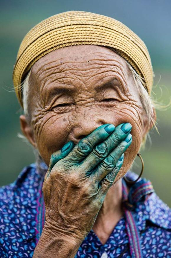 Rehahn-Hidden-Smiles-in-Vietnam-16