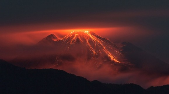 active-volcano-photos-8