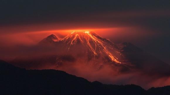 active-volcano-photos-8