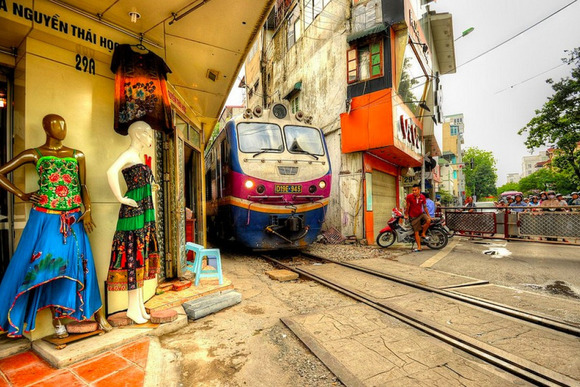 Railway-Hanoi3
