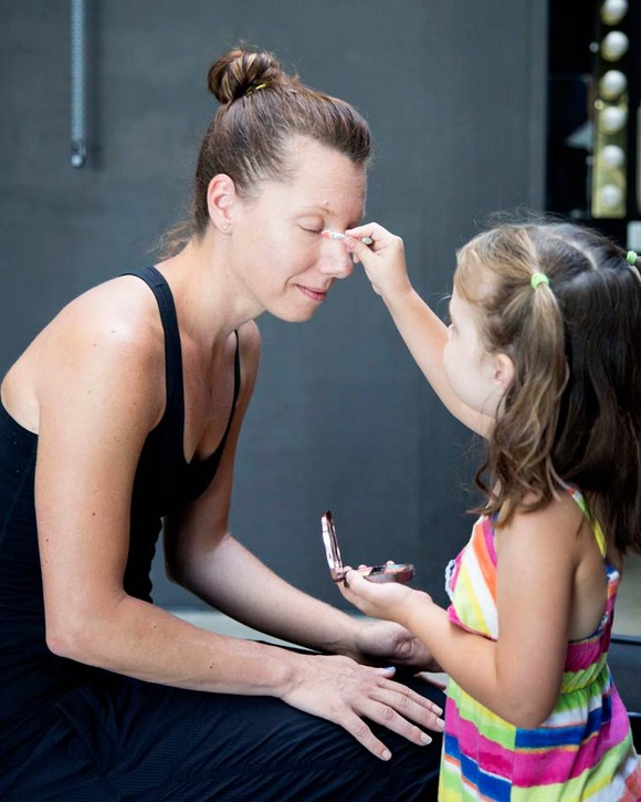 Daughter-Does-My-Make-Up-15