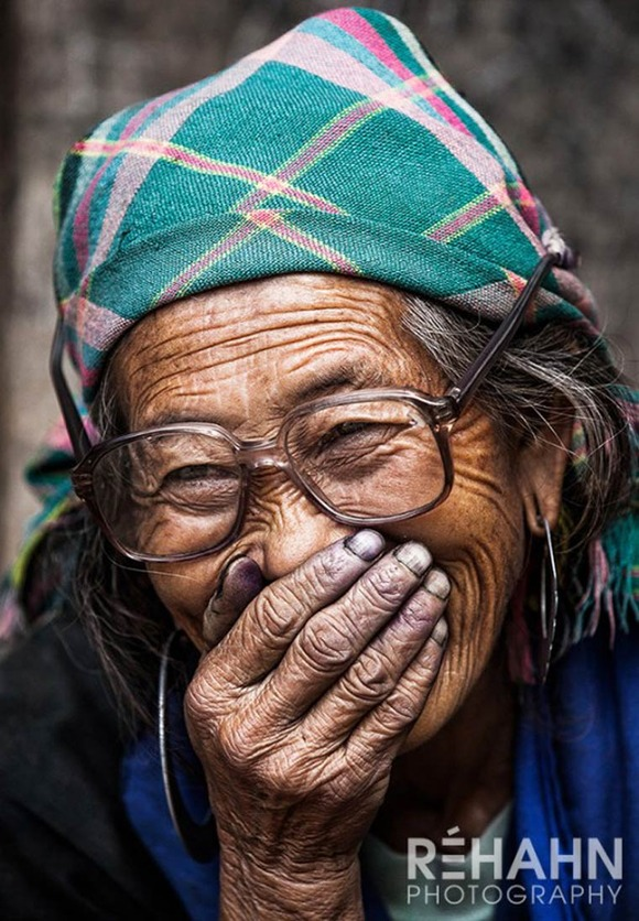 Rehahn-Hidden-Smiles-in-Vietnam-14