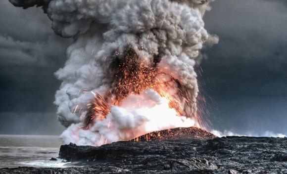 active-volcano-photos-3