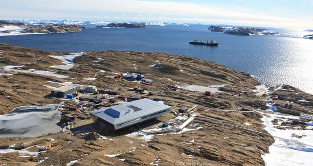 bof-arkitekten-antarctic-shipping-containers-designboom02