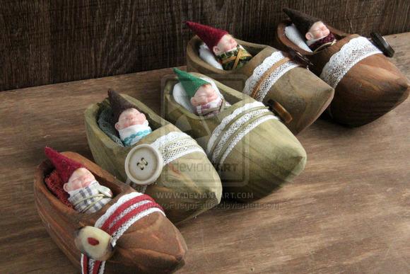baby_gnomes__by_alvarofuegofatuo-d6r9z23