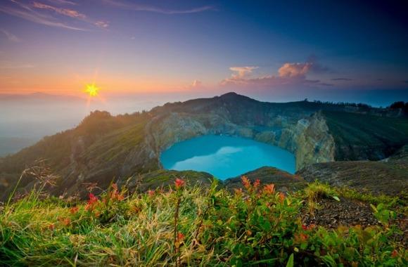 active-volcano-photos-11