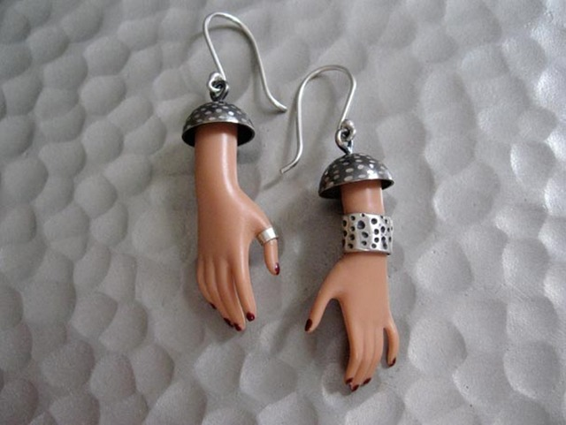 Jewelry-Made-of-Pieces-of-Barbies-17