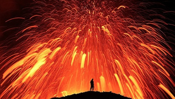 active-volcano-photos-4