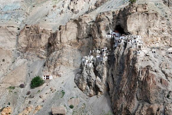 phugtal-monastery-8[6]