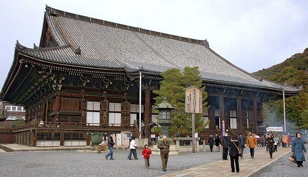 京都の知恩院がテンションのおかしいイベントを開催する