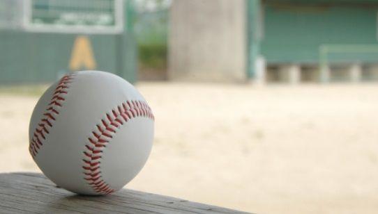 高校野球でとんでもない走塁が披露される