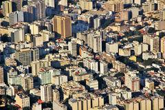 「地獄へようこそ」 リオ五輪開会式会場で大学教職員ら200人が五輪反対のデモ