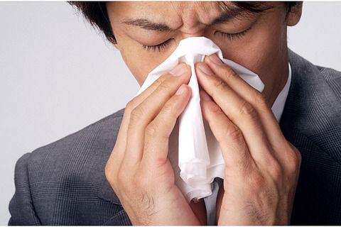 【オエー】夫は花粉症でよく鼻血を出すんだけど構造上洗面台がないので台所のシンクで血痰を吐く