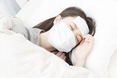 【ドン引き】風邪を引いて1週間寝込んだ時、咳が止まらないのでデートを延期して欲しいとメールした彼の返信に引いた