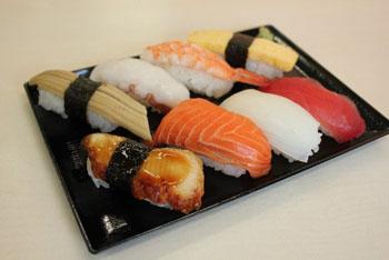うちの母ちゃんが千円のパック寿司買ってきて俺が久々にキレた件!!!