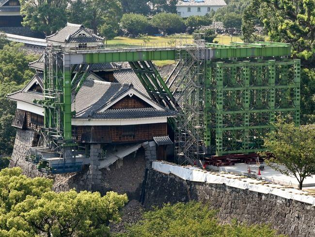 """【熊本】わずか約2カ月で設置された熊本城を支える""""鉄の腕"""" 正体は橋桁"""