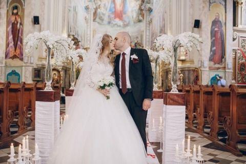 【不幸な式】昔、取引先社長の結婚式に出席させられたが48歳デブおやじと高校卒業したての18歳といういかにも政略結婚という式だった