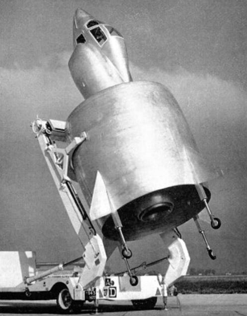 【悲報】Wikipedia「航空機とは思えない外観が大きな特徴である。」