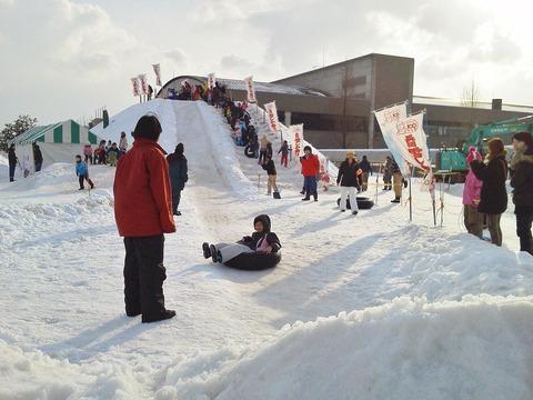 雪しか祭り巨大滑り台2