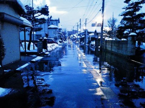 消雪パイプで雪が融けた東神田