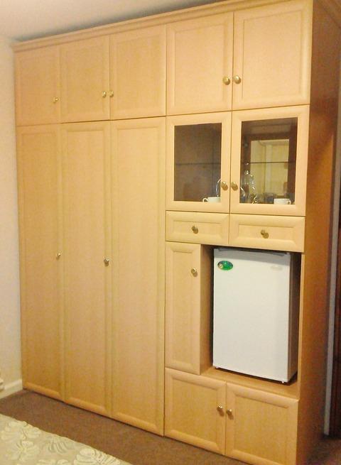ロシア・棚と冷蔵庫