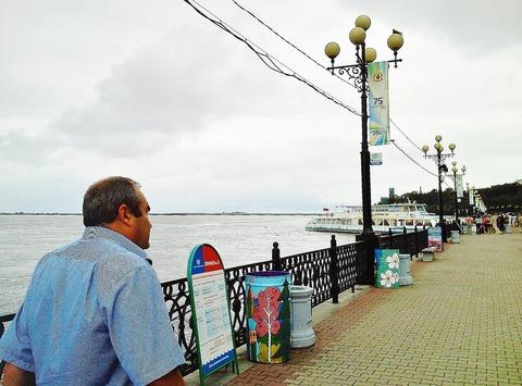 アムール川沿いを歩く