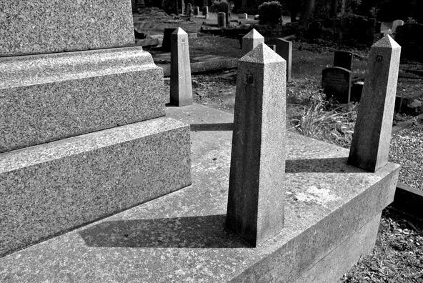 cemetery-458342_960_720