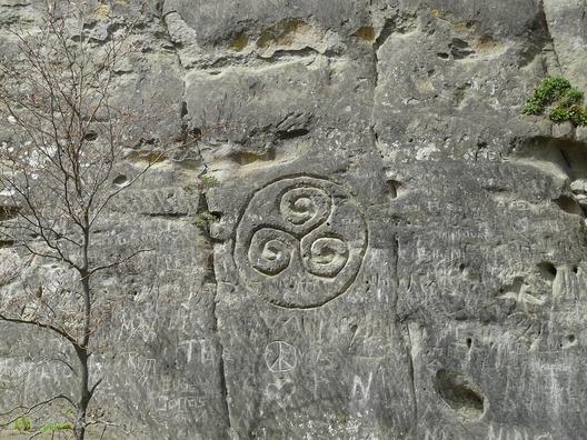 stone-52540_960_720