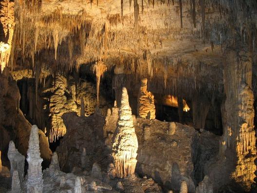 cave-622184_960_720