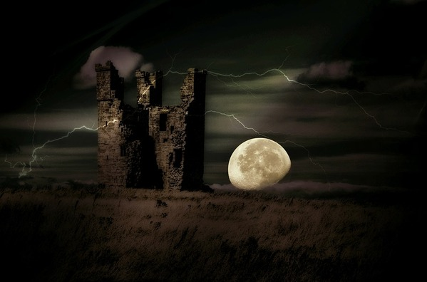 castle-2732080_960_720
