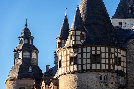 castle-3745313__340