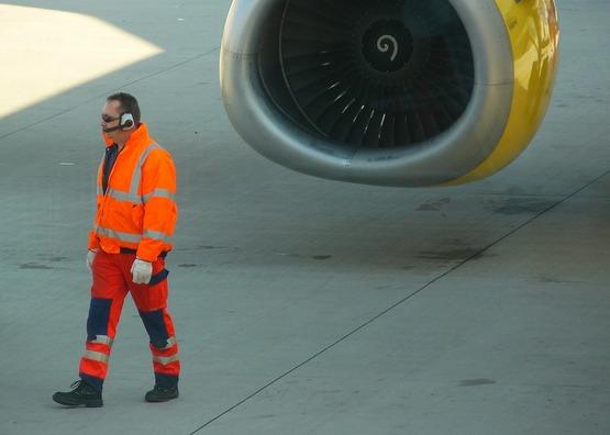 aircraft-250544_960_720