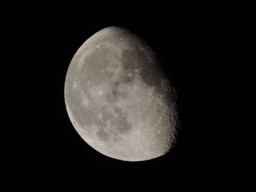 moon-2416144_960_720