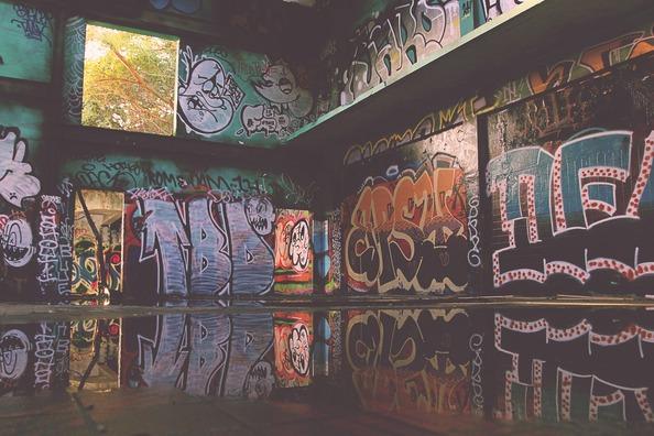graffiti-832341_1920