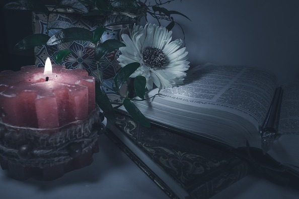 candle-4075714_960_720