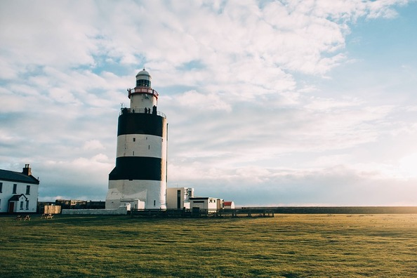 lighthouse-1246660_960_720