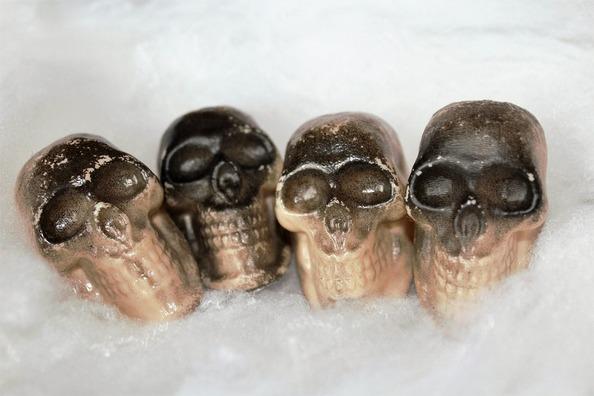 skulls-997801_960_720