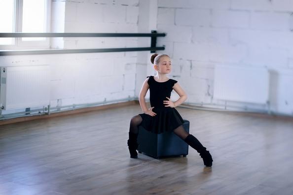 ballet-1030921_1920