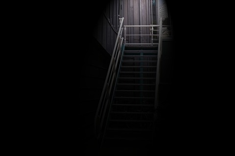 stairs-2799299_1280