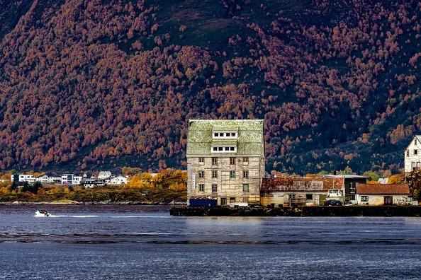 fjord-3789015_960_720