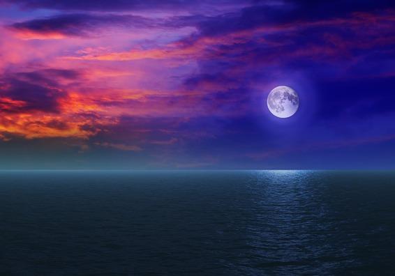 moon-4402461_960_720