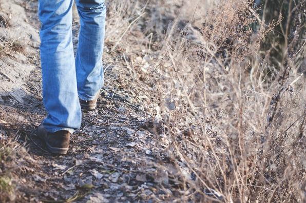 hiking-1149985_1920