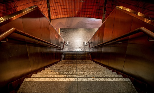 stairs-4604216_1920