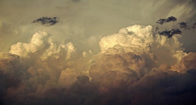 clouds-2447690_960_720