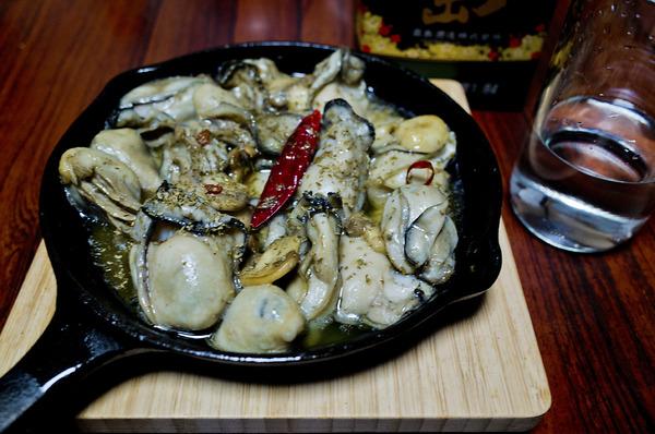 12牡蠣のアヒージョ