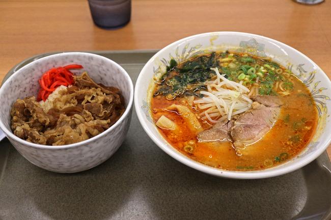 12辛みそラーメン&牛丼IMG_5774