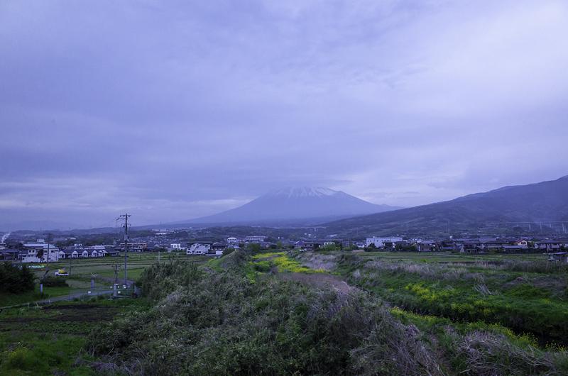 80車窓から富士山R0301789-Edit